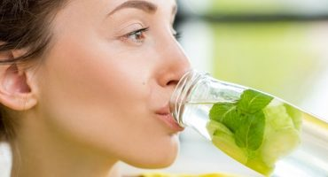 Why It Is Important to Drink Water to Assist in Healthy Eating